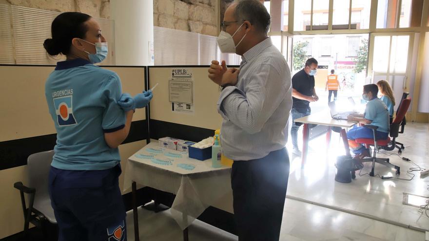 El Ayuntamiento de Córdoba se suma con Capitulares a los puntos de vacunación en la capital