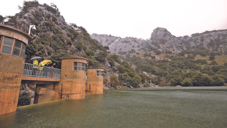 Los embalses recogen 371.000 metros cúbicos de agua de lluvia desde el lunes