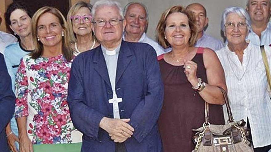 La exsecretaria del obispo Salinas será juzgada por robarle mensajes a su exmarido