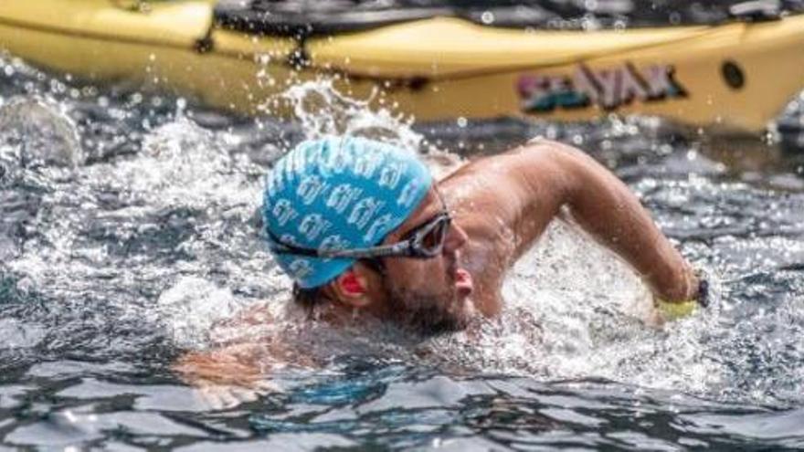 Von Menorca nach Mallorca für den guten Zweck schwimmen