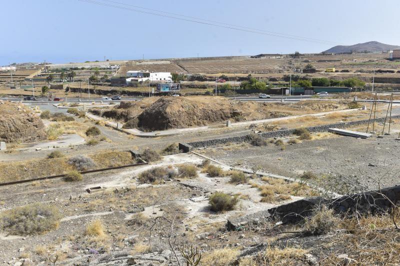 Zona de Arauz a medio urbanizar y abandonada
