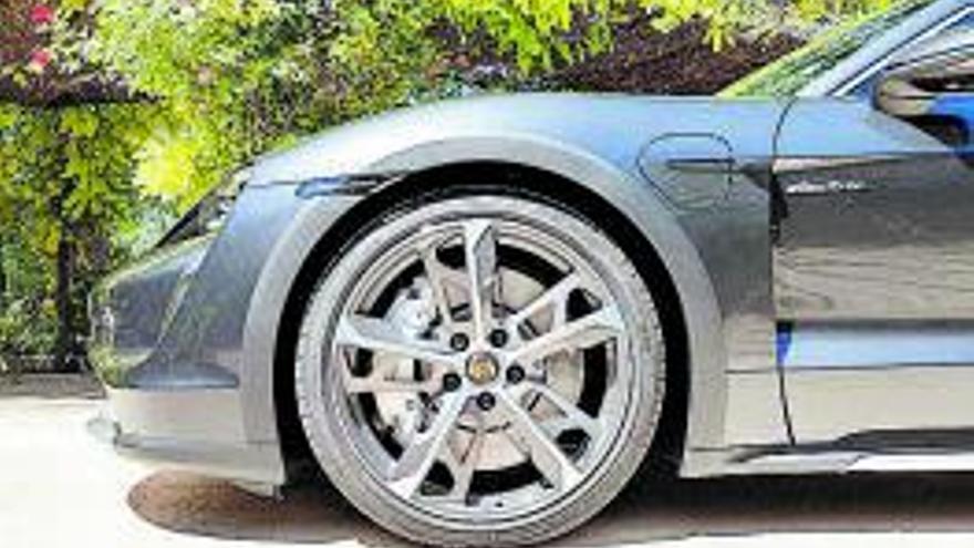 Porsche Taycan Cross Turismo, Més versÀtil i igual d'eSPORTIU