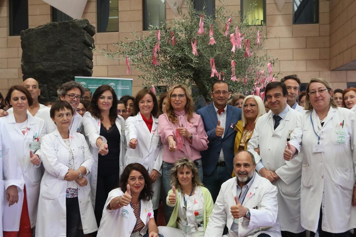 El Reina Sofía conmemora la lucha contra el cáncer de mama