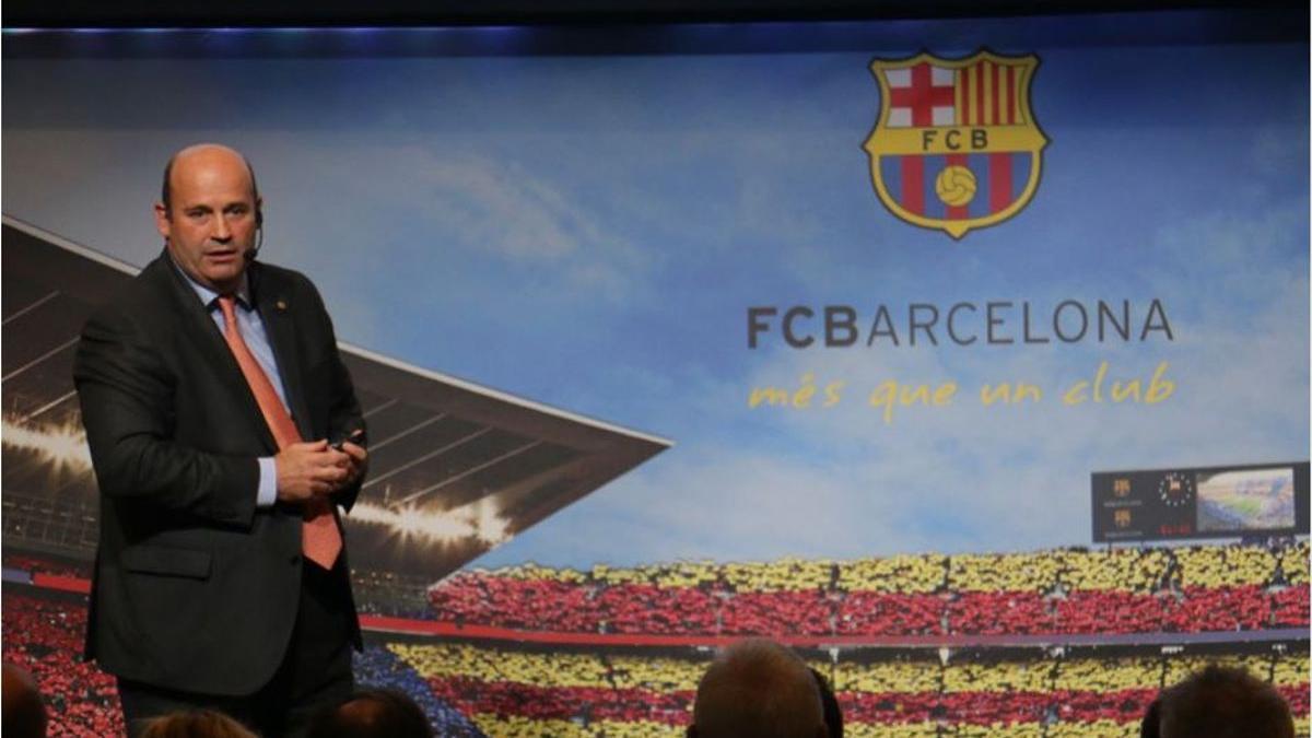 Òscar Grau, durant la presentació de l'organigrama del FC Barcelona, el 2016