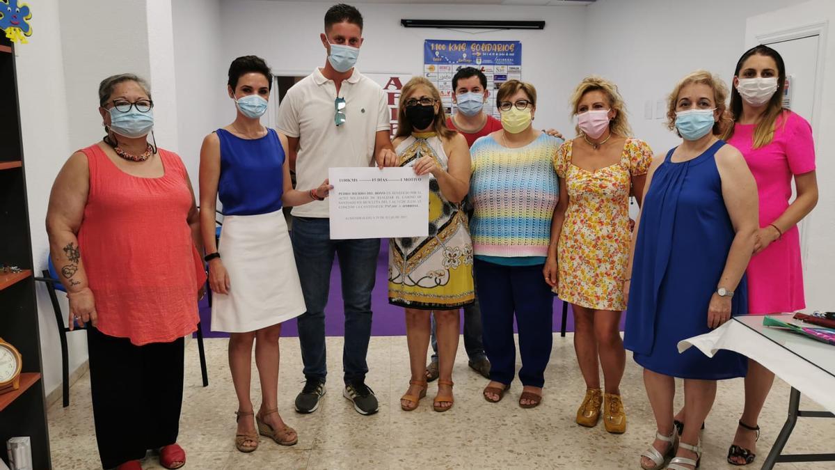 Pedro Hierro entregó a Afibroal la recaudación de 3.747 euros