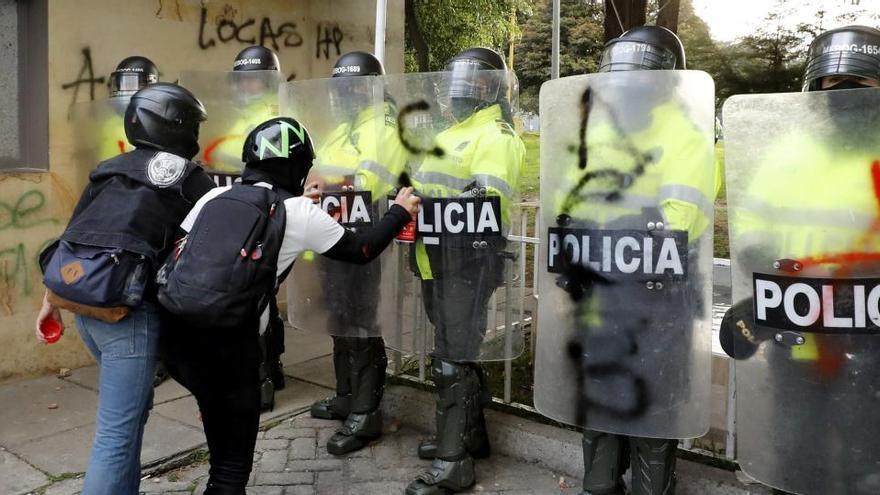 Suspenden de sus cargos a los agentes colombianos por abuso policial