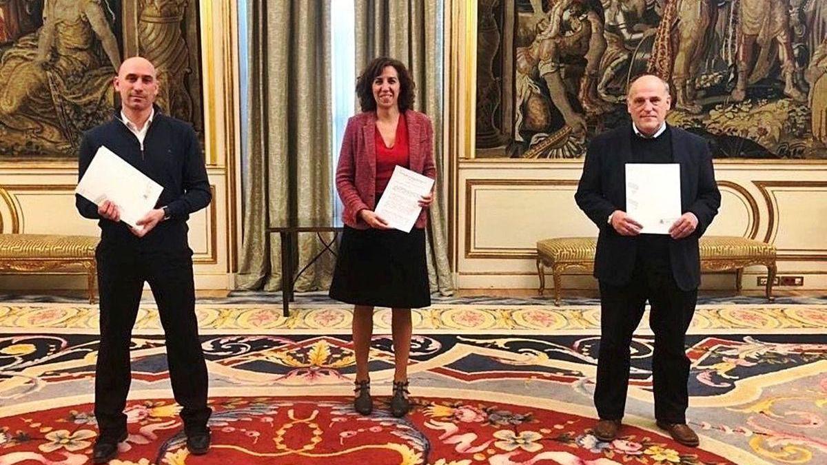 Luis Rubiales, Irene Lozano y Javier Tebas, tras presentar el acuerdo para reanudar la Liga.