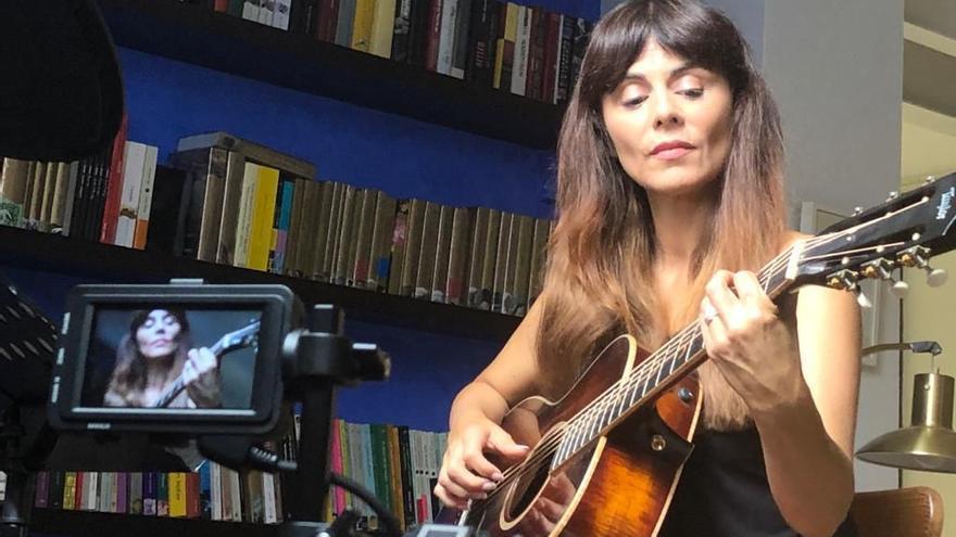 Susu regresa a la música con 'Amor platónico'