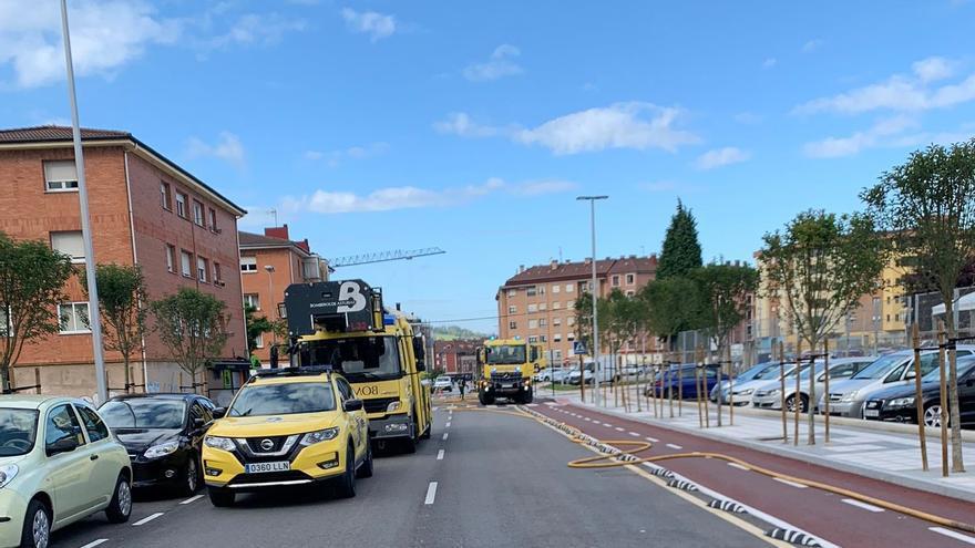 Desalojan cuatro edificios en Lugones por un escape de gas