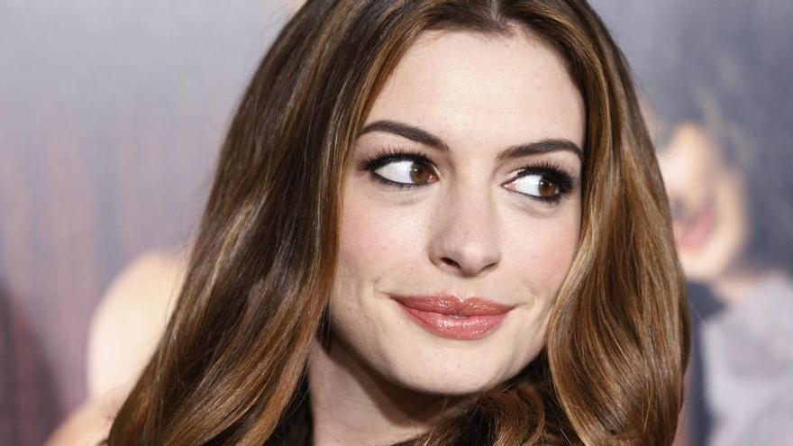 """Anne Hathaway: """"Los autoritarios deberían estar solamente en la pantalla"""""""