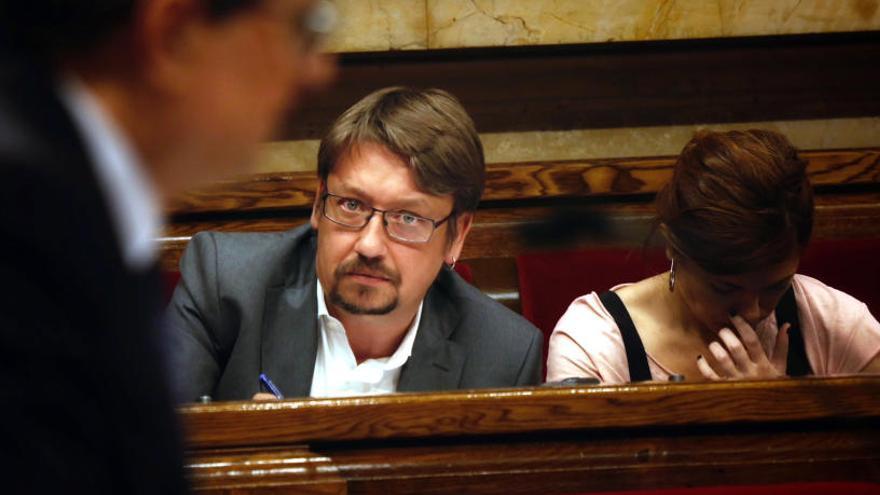 Domènech veu el govern «caducat abans de néixer»