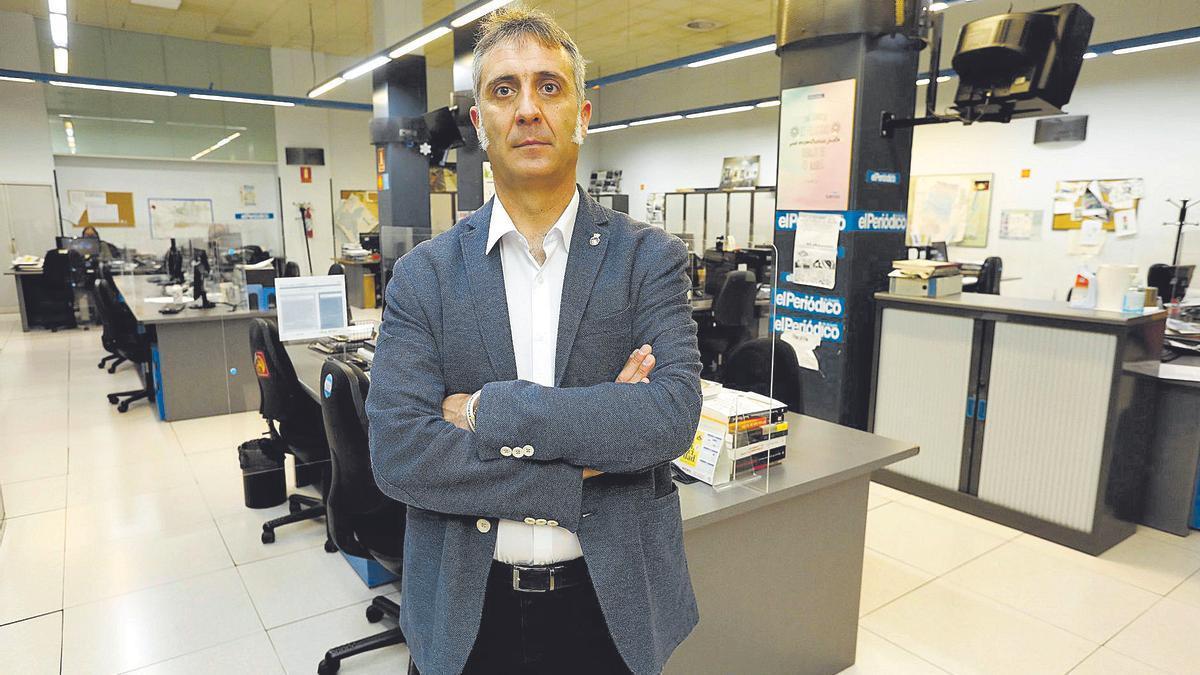 El exsecretario de Organización de Ciudadanos Aragón, Ramiro Domínguez, en la redacción de EL PERIÓDICO, minutos antes de realizar la entrevista