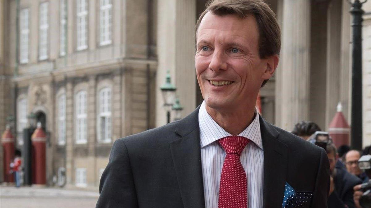 Joaquín de Dinamarca, estable tras su operación cerebral en Francia