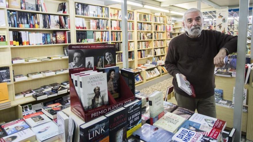 """""""El mejor homenaje a un librero es que se compren libros y leerlos"""""""