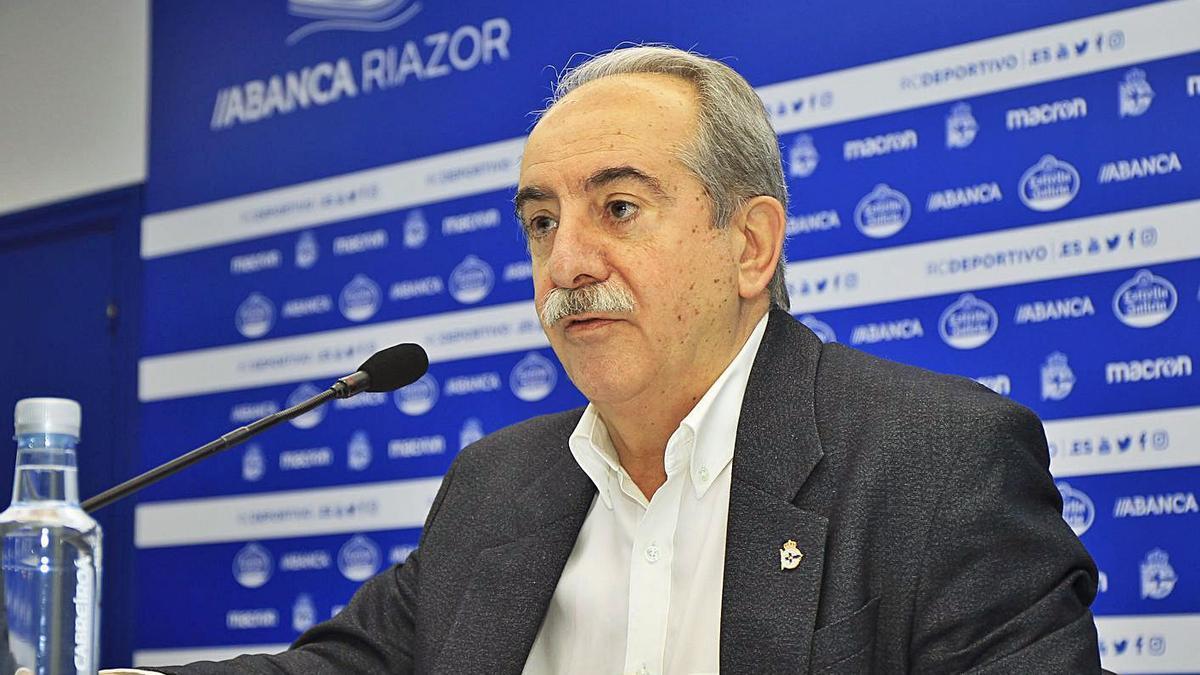 El presidente del Deportivo, Antonio Couceiro, en una comparecencia reciente. |  // RCD