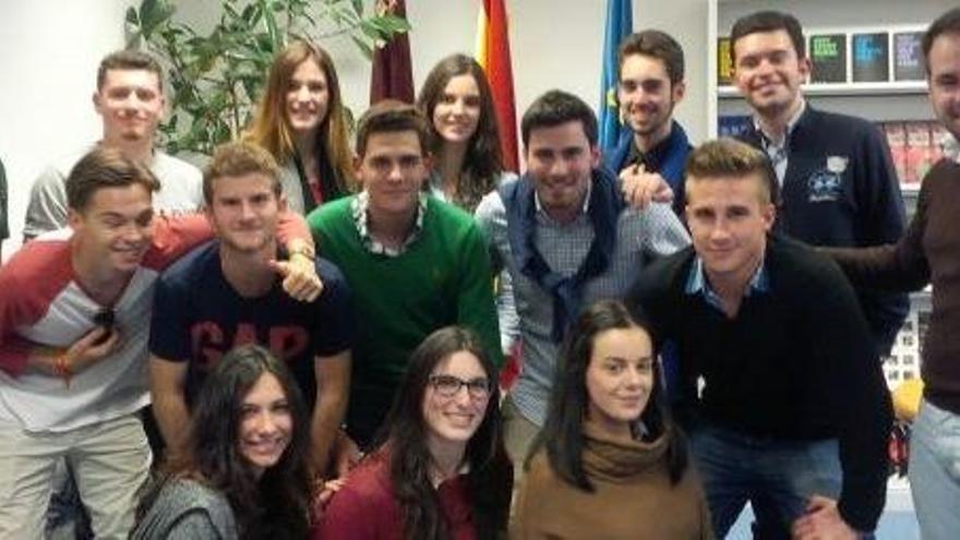 Los estudiantes miran a Europa