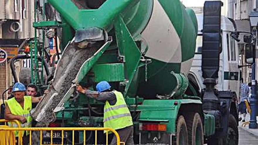 Trabajadores de cemento coruñés cobrarán hasta 1.000 euros en atrasos, según CCOO