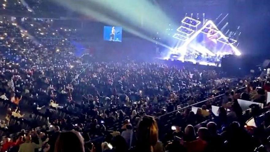 Un concierto de Raphael congrega a 5.000 personas en un recinto madrileño