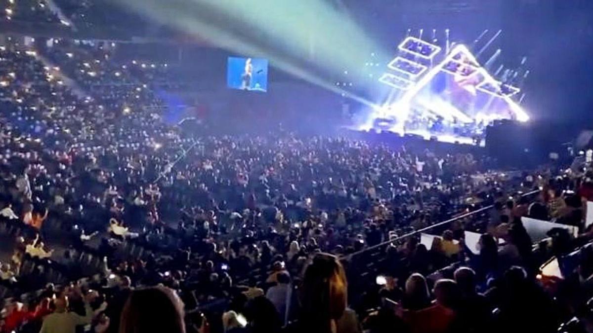 Imagen difundida en las redes sociales en la que se aprecia la aglomeración de público en el concierto.
