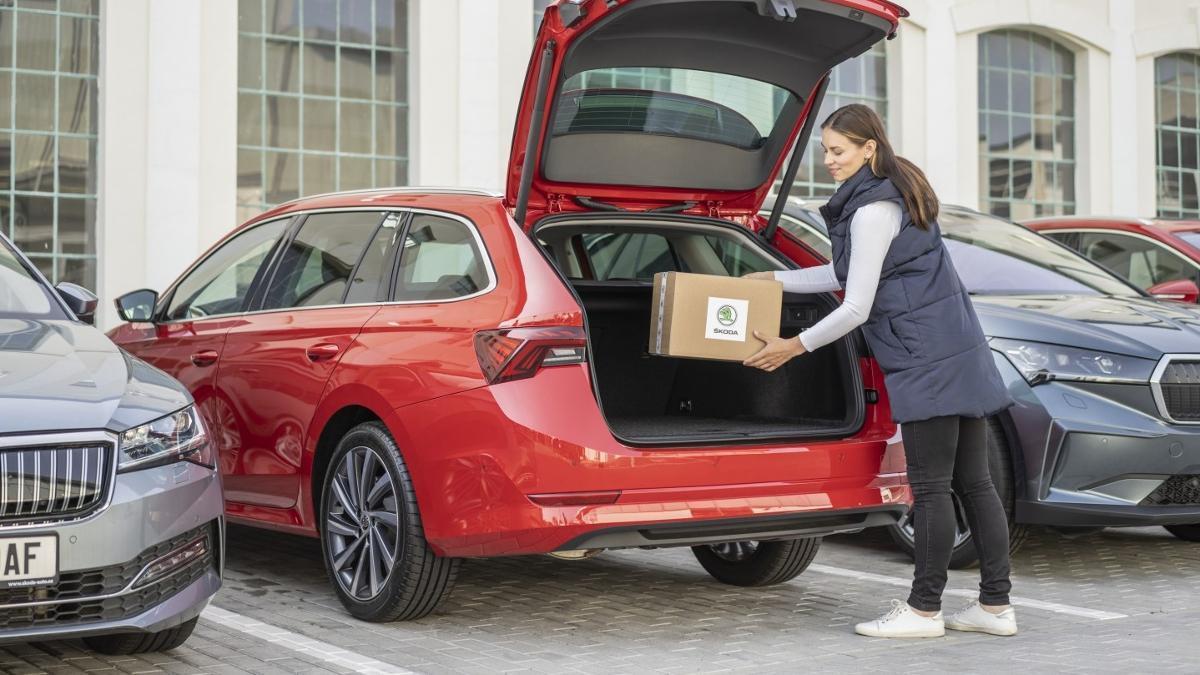 Skoda permite entregar los pedidos online en los coches de sus clientes con la nueva función Car Access