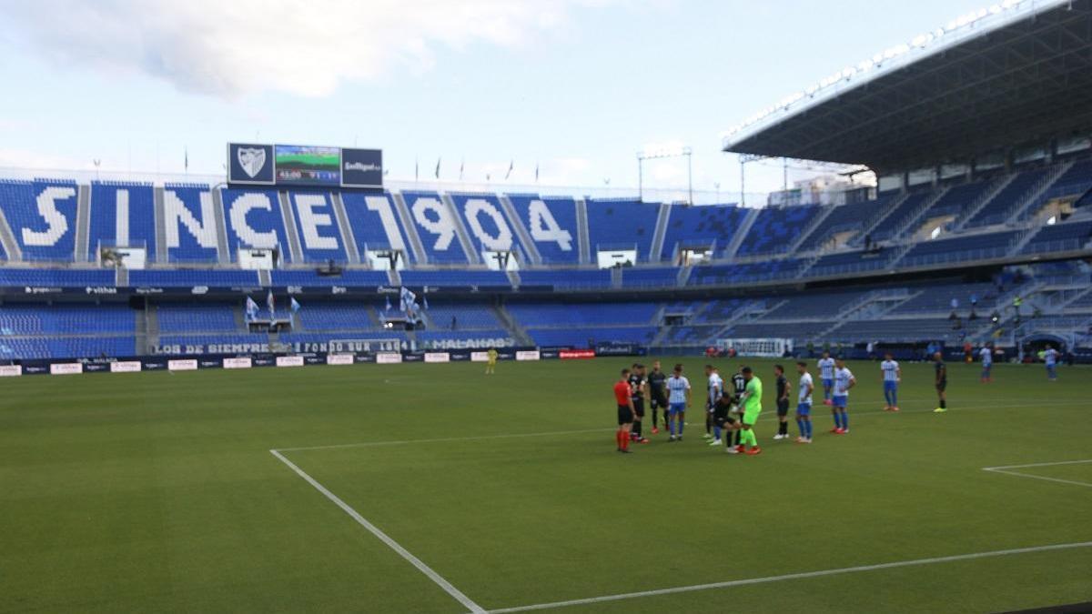 Encuentro de Segunda del Málaga  con la información de la historia del club en inglés.