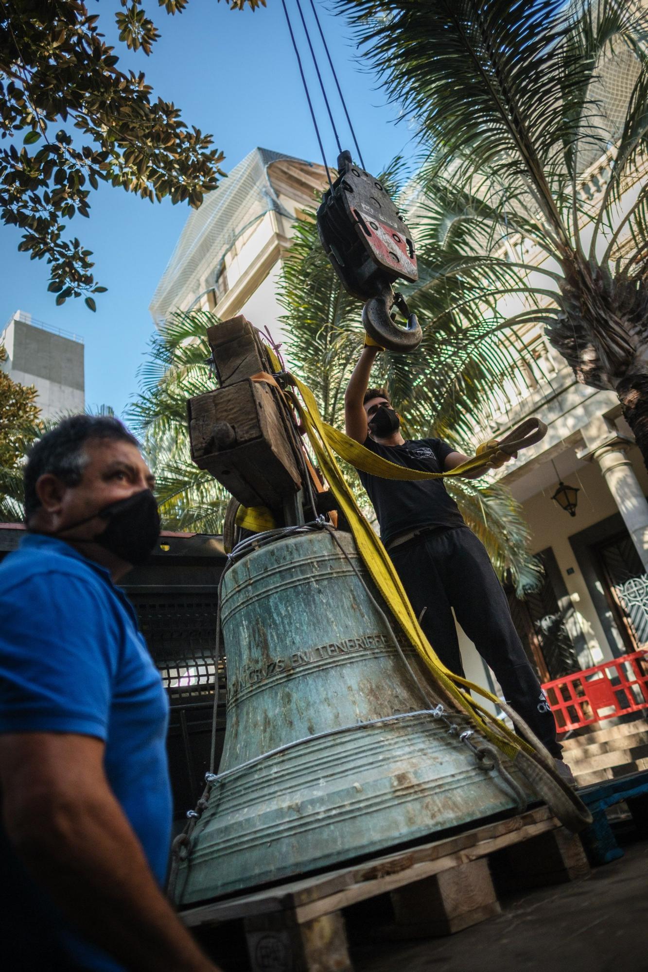 Retirada campana iglesia San Francisco