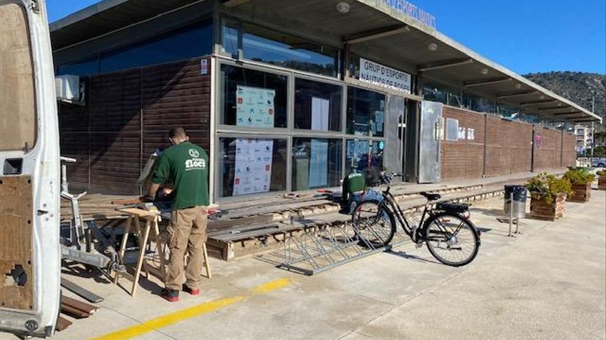 Port de Roses realitza tasques de reparació i manteniment a l'accés de l'edifici del GEN