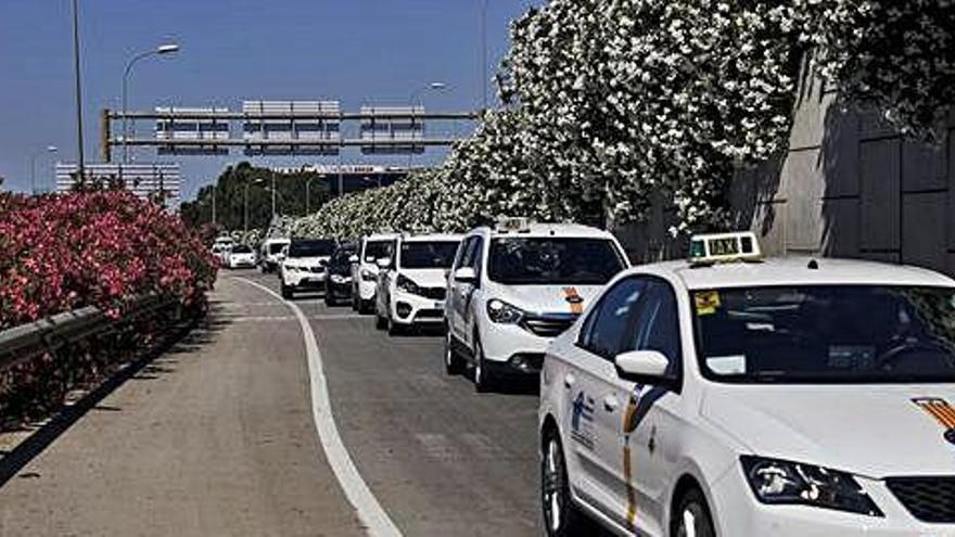 Un ibicenco denuncia una estafa de dos taxistas de Palma con la excusa del coronavirus