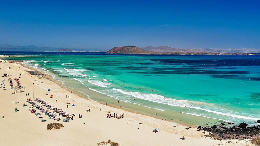 La comparación entre Ibiza, Menorca, Lanzarote y Fuerteventura evidencia la masificación de la isla pitiusa
