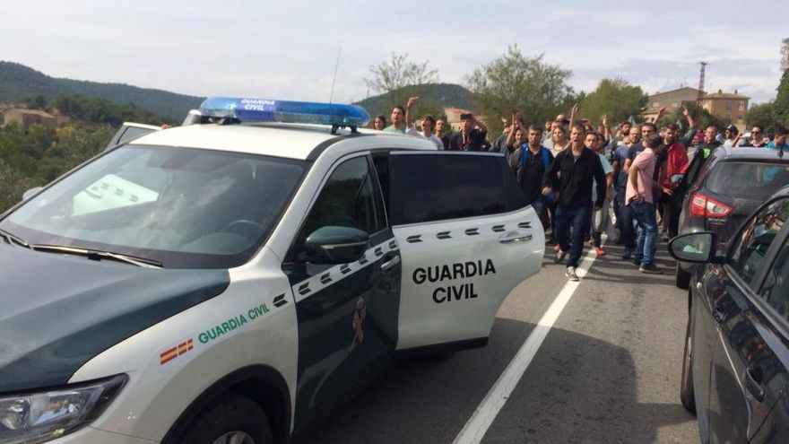 Desplegament de la Guàrdia Civil a Fonollosa