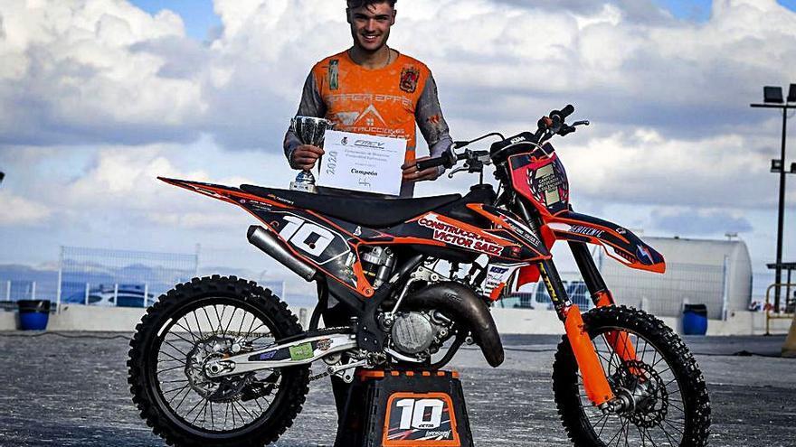 Víctor Sáez se proclama campeón autonómico de motocross en MX125
