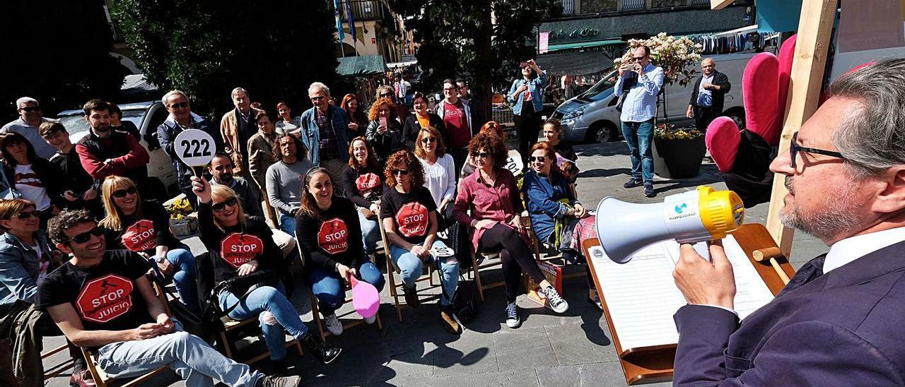 Una de las protestas organizadas en 2019 por la plataforma en apoyo del Conservatorio, que pedía paralizar el recurso judicial y negociar. | LNE