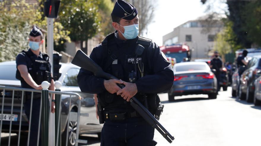 Uno de cada cuatro policías en Francia dice haber tenido ideas suicidas