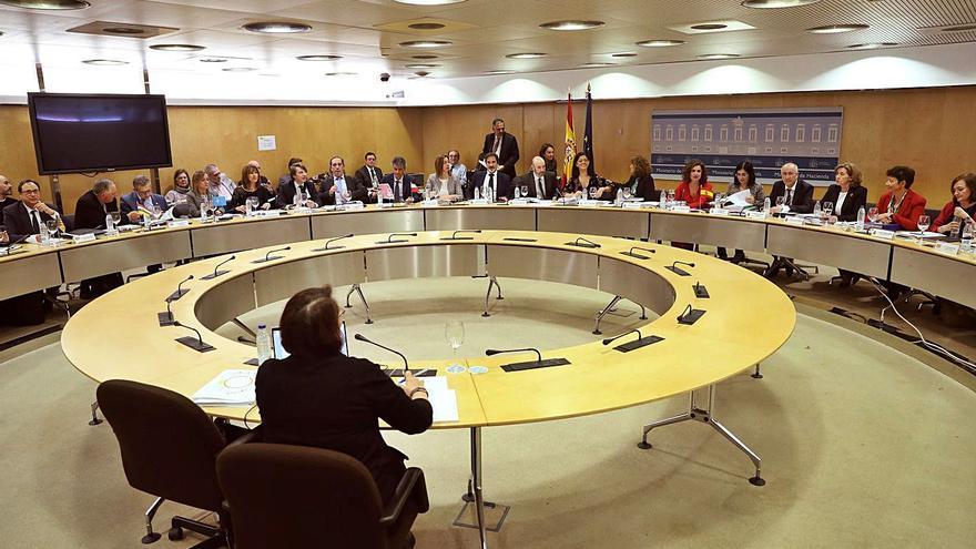 Galicia y otras 9 comunidades piden que el fondo COVID se reparta en base a población
