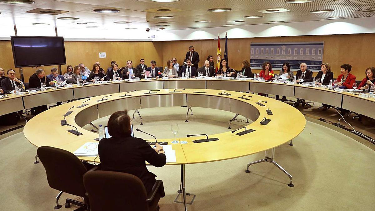 Vista general de una reunión del Consejo de Política Fiscal y Financiera. |   // KIKO HUESCA