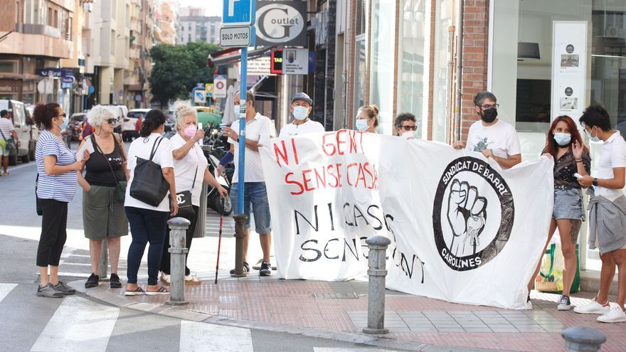 Protesta de familias afectadas por el fin de alquileres sociales