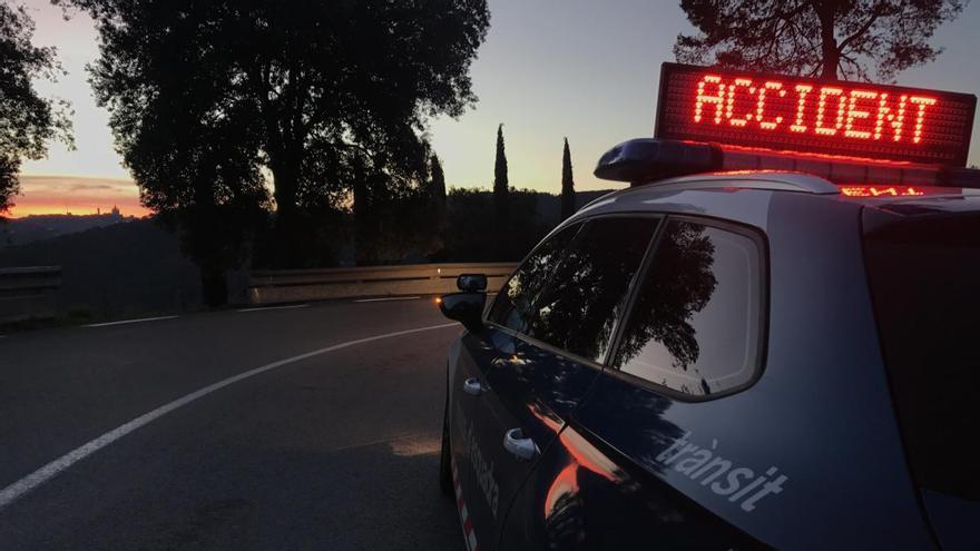 Un accident de trànsit múltiple deixa un carril tallat a l'AP-7 a Biure