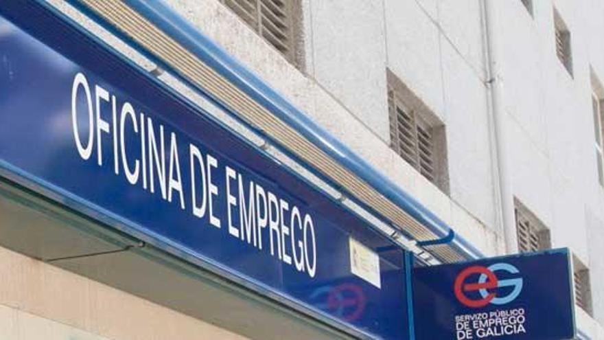 Las auxiliares de ayuda en el hogar de Arteixo denuncian que siguen sin cobrar el ERTE