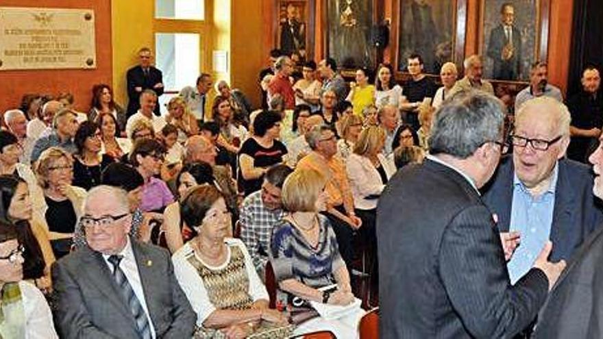 Sense pacte Aloy pot ser alcalde, però li cal majoria ja al primer ple per aprovar els sous