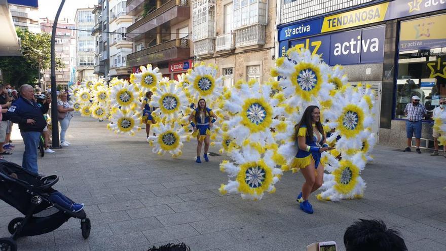 La productora del desfile tinerfeño en Vilagarcía aclara que tenía permisos para su grabación