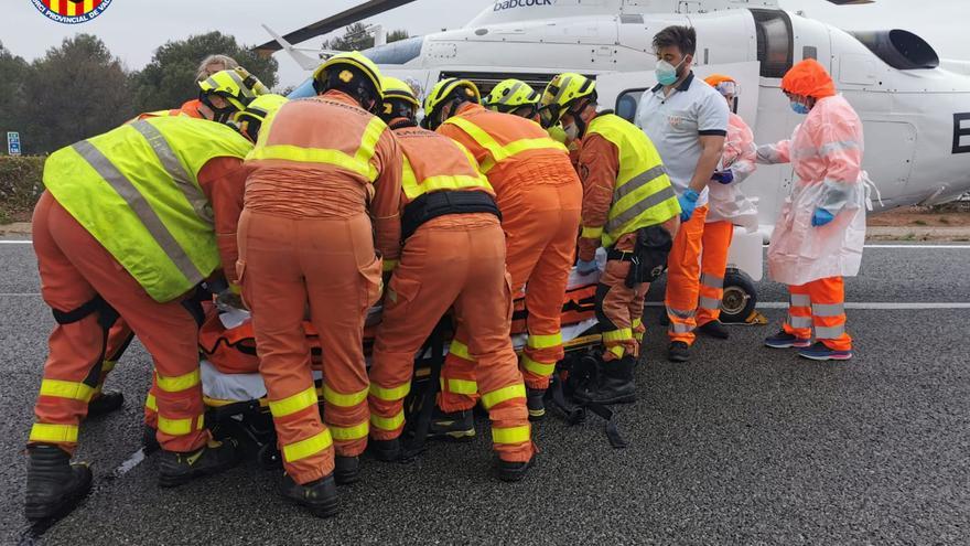 Una mujer y un niño resultan heridos en un accidente en la AP-7 en Almussafes