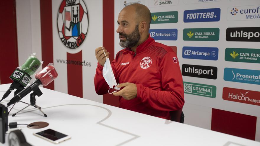 """David Movilla, entrenador del Zamora CF: """"Hay que meter goles, no solo crear ocasiones"""""""