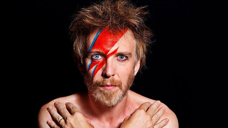 Shuarma canta a David Bowie en el Principal