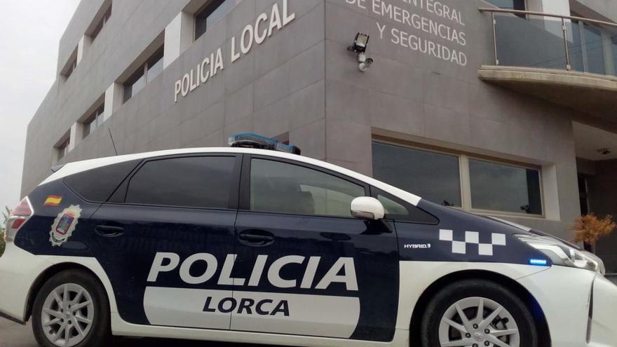 """Denuncian opacidad y """"ambiente putrefacto"""" en la Policía Local de Lorca"""