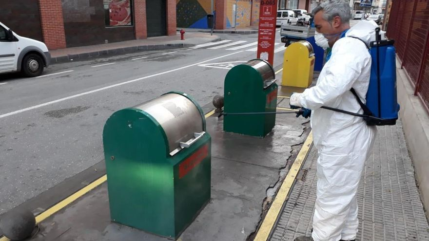 El Ayuntamiento incrementa las medidas de desinfección en la recogida de residuos