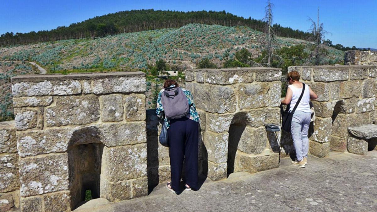 Las visitas musealizadas acabarán en la terraza del castillo, con vistas panorámicas a la comarca. |   // D.P.