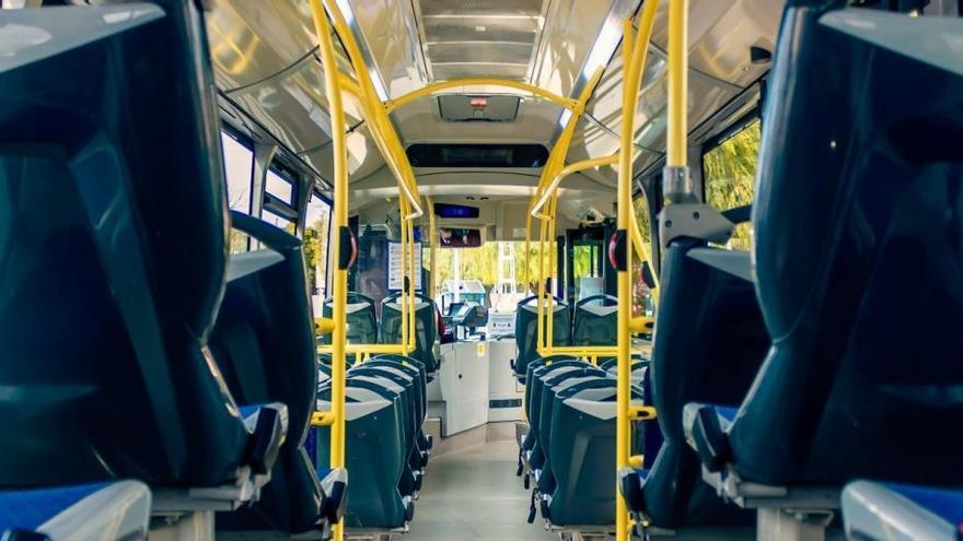 Los usuarios del transporte público bajaron un 45% en noviembre