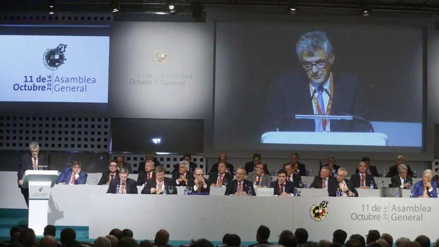 Villar anuncia la destitución del secretario general de la FEF