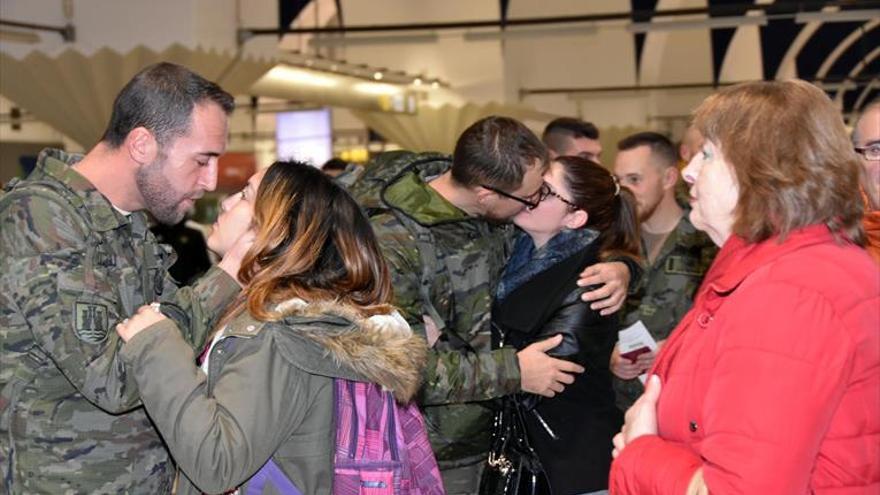 Vuelve de Letonia la primera rotación de militares de Cerro Muriano