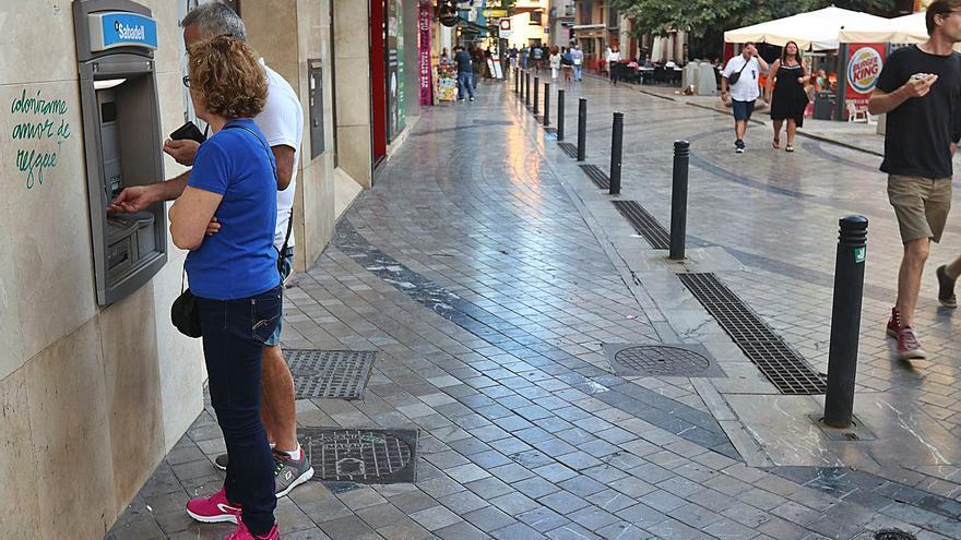 El parque de oficinas de banca en Málaga retrocede ya al nivel de hace 40 años